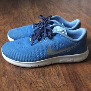 Gently used nike running shows